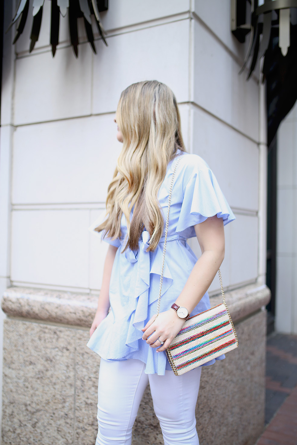 Dallas fashion blogger Cameron Proffitt wears Topshop wrap shirt with white jeans -- topshop shirt dress -- chelsea28 crossbody bag