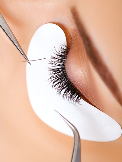 What are eyelash extensions? Everything you need to know about eyelash extensions. Pros and cons of eyelash extensions.