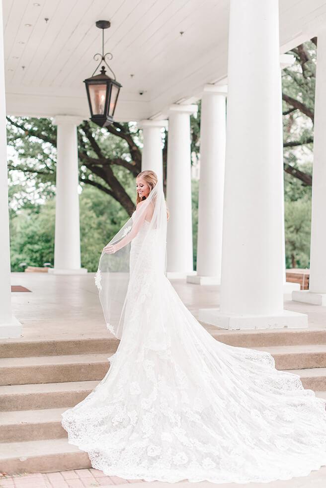 Top 8 prettiest wedding venues in Dallas - Arlington Hall at Lee Park
