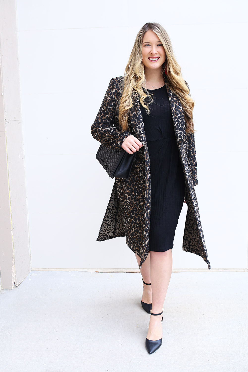 Outfit ideas for winter coats. Affordable winter coats. How to style a winter coat. Winter outfit inspiration with heavy coats.